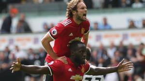 Manchester United continúa su buen arranque de temporada con una goleada en Swansea