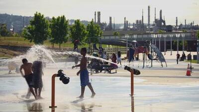 Contaminación petrolera amenaza la salud de un barrio latino en Los Ángeles