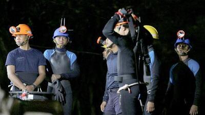 'Sam yak': el paso más estrecho y crítico de la cueva en Tailandia que deben sortear los niños camino al exterior