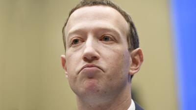 En fotos: Los rostros y las respuestas de Mark Zuckerberg en el segundo día de interrogatorios en el Congreso