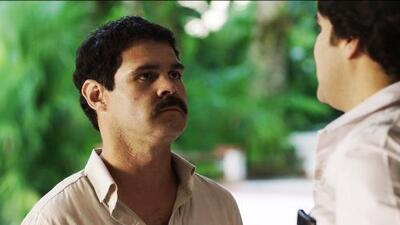 In the first episode of 'El Chapo', Joaquín Guzmán meets Pablo Escobar