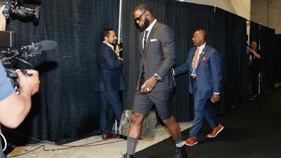 Vestimenta de LeBron previo al Juego 1 costó arriba de 40 mil dólares