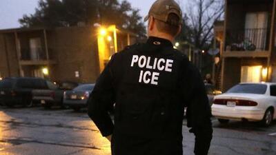 Por alertar de una supuesta redada de ICE en su tren, conductor acabó suspendido sin sueldo