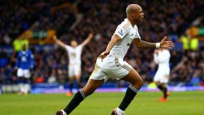 Everton 1-2 Swansea: El Swansea gana en Goodison Park y escapa de zona de descenso