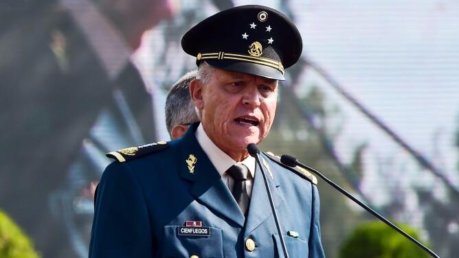 """""""Una vergüenza mundial"""": polémica e indignación porque México exoneró al general Salvador Cienfuegos"""