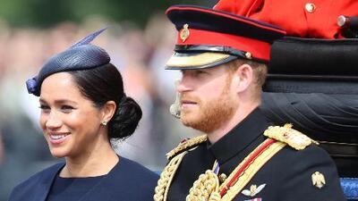 El príncipe Harry habría tenido una relación fugaz con una modelo mientras salía con Meghan Markle, según un libro