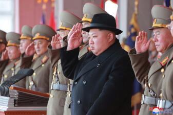 Líderes mundiales que muestran su poderío militar en fastuosos desfiles (fotos)