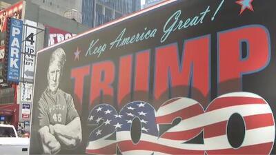 El recorrido de una pintura de Trump por las calles de Nueva York generó rechazo e incluso abucheos
