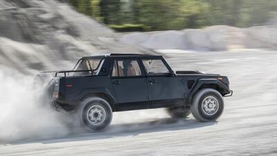 Lamborghini LM002, el origen de las súper camionetas