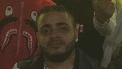 Asesinan de un balazo en el pecho a un joven hispano en el vestíbulo de su edificio en El Bronx