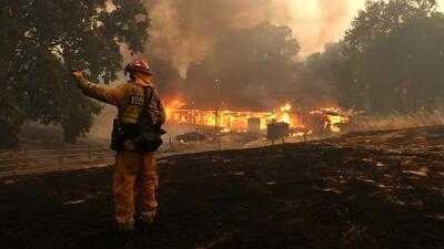 Reportan progreso en las labores para extinguir incendios en Mendocino y Lake
