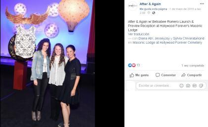 """Joy Huerta no mencionó a su esposa por su nombre, pero se conoce que  <b><a href=""""https://www.univision.com/famosos/ella-es-la-esposa-de-joy-huerta-del-duo-jesse-joy-y-madre-de-la-pequena-noah"""">es la empresaria Diana Atri,</a></b> en esta foto a la extrema izquierda."""