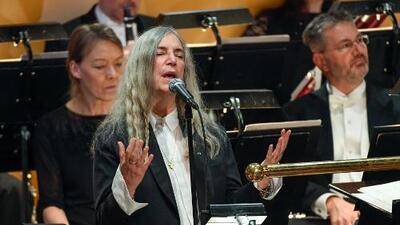 """""""No olvidé la letra"""": Patti Smith sobre su presentación en la ceremonia del Premio Nobel"""