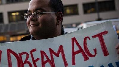 Este es el proyecto de ley para proteger a los dreamers presentado por un senador republicano y otro demócrata