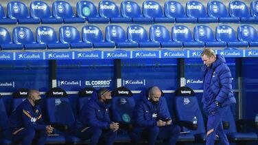 Koeman critica 'abuso' de Barcelona para tocar el balón