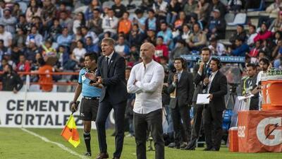 DT de Morelia explota contra el árbitro