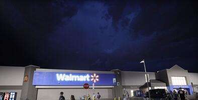 Texanos no podrán comprar bebidas alcohólicas que no sean vino o cerveza en Walmart, según la Corte Suprema