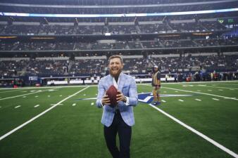 Conor McGregor y otras celebridades en la Semana 6 de la NFL