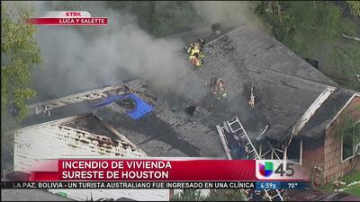 Incendio de una vivienda al suroeste de Houston