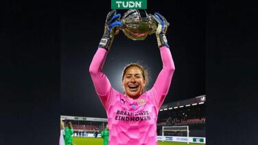 PSV se despide de portera mexicana Cecilia Santiago