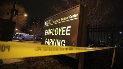 Testigos relatan los momentos de terror que vivieron tras el tiroteo en el Hospital Mercy en Chicago