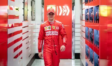 Así lució el joven Mick Schumacher en los ensayos del Gran Premio de Bahréin con su Ferrari
