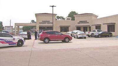 Buscan pistas de un tiroteo que dejó a un hombre herido en la cabeza en el condado Harris