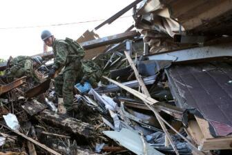 Muerte y destrucción en Japón por un tifón