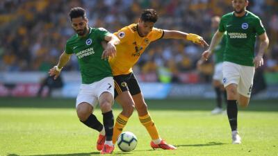 En fotos: empate sin goles entre los Wolves y Brighton con 90 minutos de Raúl Jiménez