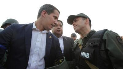 """Guaidó, junto a militares y el líder opositor Leopoldo López, llama a los venezolanos a las calles: """"El cese de la usurpación empezó hoy"""""""