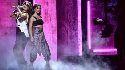 Lali Espósito cuenta cómo Thalía (muy a su estilo) le envió un texto con 🔥 y  ☄️ para invitarla a grabar un hit