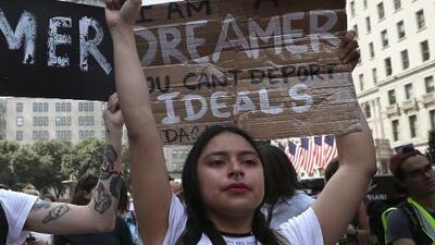 """Con el fin de DACA, jóvenes inmigrantes temen por su salud: """"Si me despiden, no sé qué haré para tener seguro médico"""""""