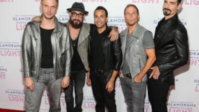 Backstreet Boys viven de la nostalgia y ganan miles de dólares