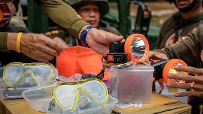 Muere uno de los rescatistas de los niños tailandeses atrapados en cueva