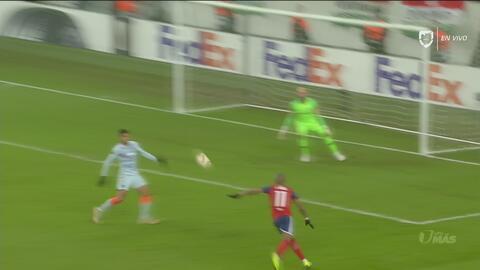 Qué espectacular volea: Loic Nego se mandó esta joya de gol y pone en ventaja al Vidi FC