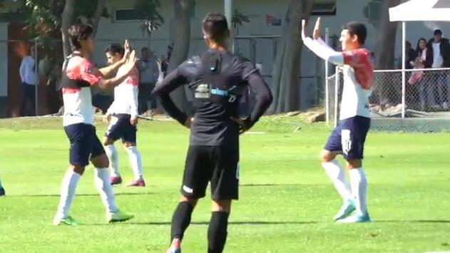 El doblete de JJ Macías y el gol de Oribe con el que Chivas ganó