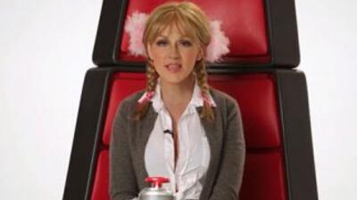 Christina Aguilera Does Hilarious Impressions
