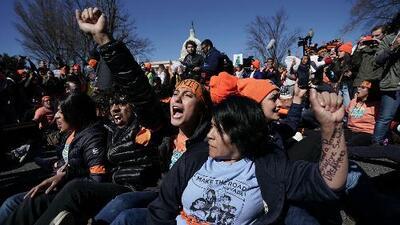 Gobierno dice que no deportará o detendrá a dreamers que tengan solicitudes pendientes para renovar DACA