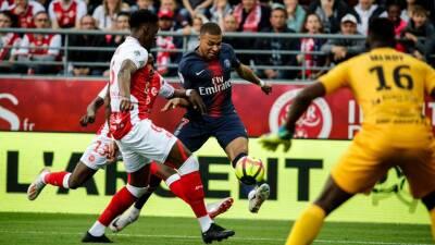 En fotos: el PSG campeón cierra la temporada con derrota y Mbappé no logra alcanzar a Messi