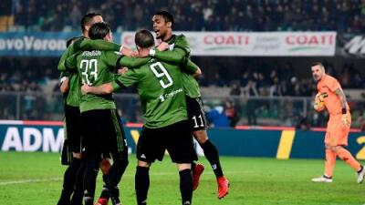 La Juventus gana 2-0 al Chievo Verona y es líder provisional