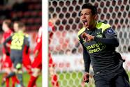 'Chucky' Lozano hizo gol y recuperó su liderato de goleo en victoria del PSV sobre Twente