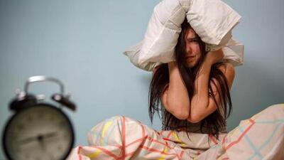 Los malos hábitos al dormir te hacen más feo