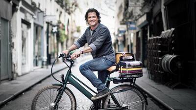 Gana una bicicleta autografiada por Carlos Vives!
