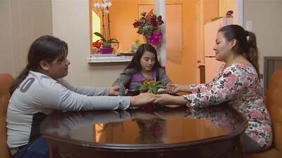 Tres salvadoreñas buscan a su madre que las abandonó hace 27 años en busca del sueño americano