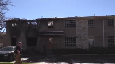 Investigan si el incendio que consumió un edificio de Garland, Texas, fue provocado