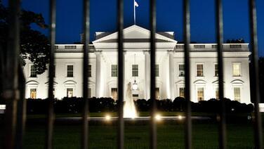 Fiscales investigaron un supuesto esquema de sobornos a la Casa Blanca para la compra de perdones presidenciales
