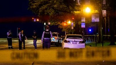 Violento fin de semana en Chicago deja al menos 2 muertos, 30 heridos y más de 40 tiroteos