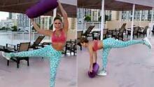 La rutina de Claudia Molina para definir la cintura y eliminar la grasa de la cadera con un tapete para ejercitarse