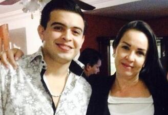 Madre de Raúl Lizárraga envía mensajes de esperanza a su hijo desaparecido a través de Facebook