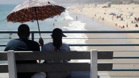 Emiten alertas por calor sobre los 100ºF y los incendios en el sur de California